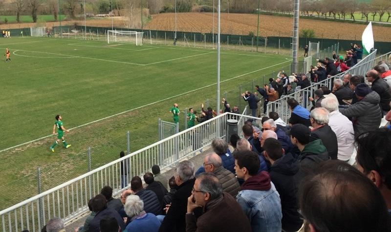 esultanza dopo 1-1 di Quadroni in Villabiagio - Baldaccio