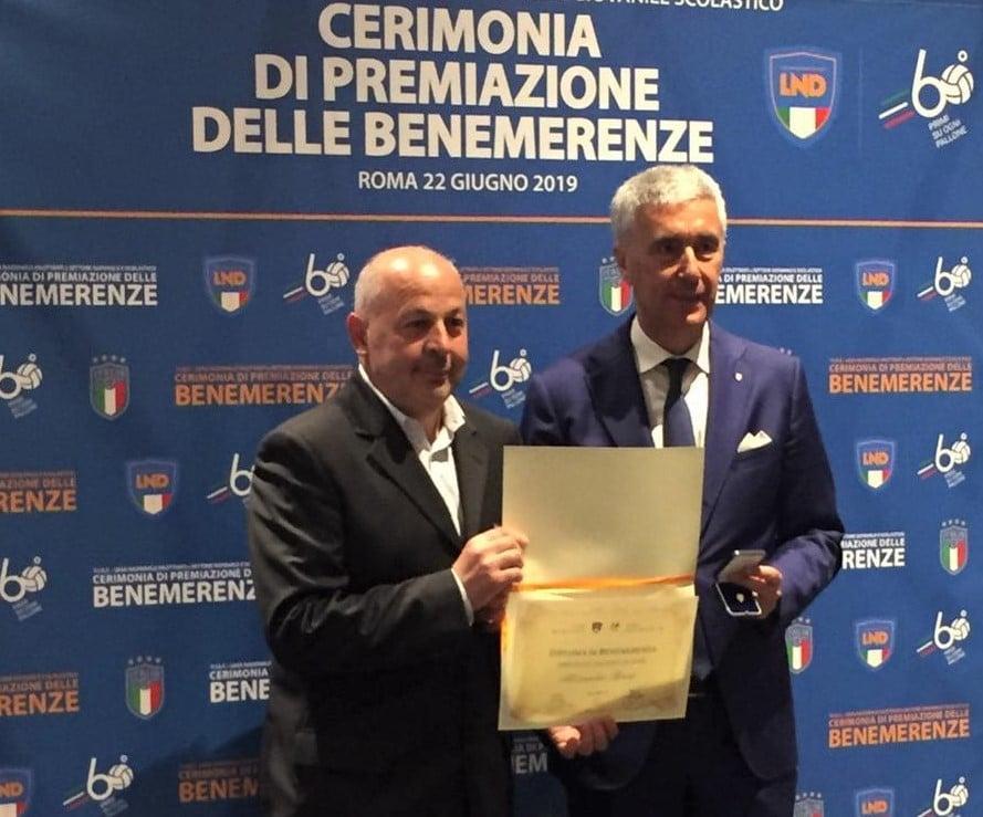 Il direttore Bruni premiato a Roma da FIGC e LND